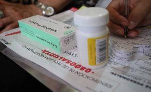 Maduro pide regular los precios de las medicinas en Venezuela