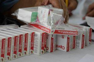 Ministerio de Salud limitará distribución de medicinas masivas a la red pública