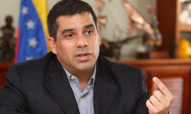López Chejade asume presidencia del IVSS tras destitución de Rotondaro
