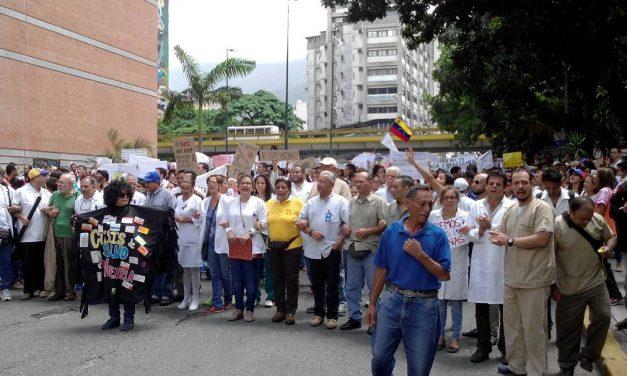 """Valencia: """"Con la designación de López Chajade no se resuelve la crisis de salud en Venezuela"""""""