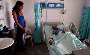Venezolanos cruzan la frontera con Guyana para recibir atención médica