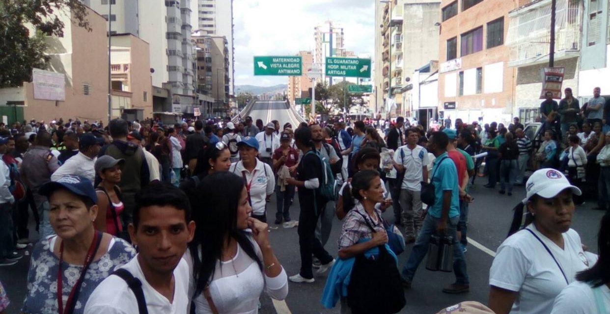 Colectivos amedrentaron a trabajadores de la salud durante la marcha