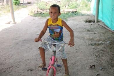 Niños y niñas que huyen de la emergencia humanitaria en Venezuela enfrentan riesgos