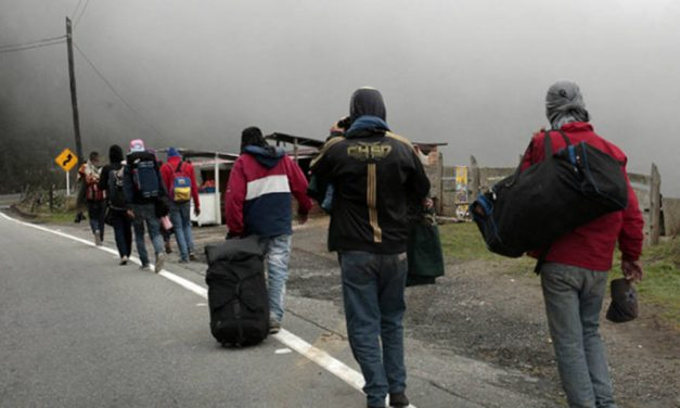 Ecuador plantea establecer corredor humanitario para venezolanos que van a Perú
