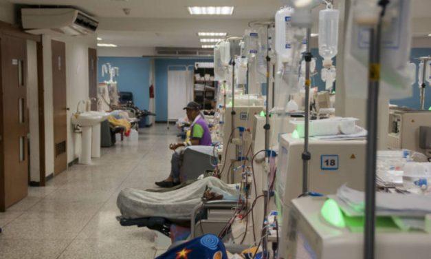 Dos personas han muerto por escasez de insumos para diálisis peritoneal
