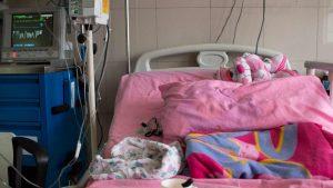 Las bacterias están matando a los niños en el JM de los Ríos